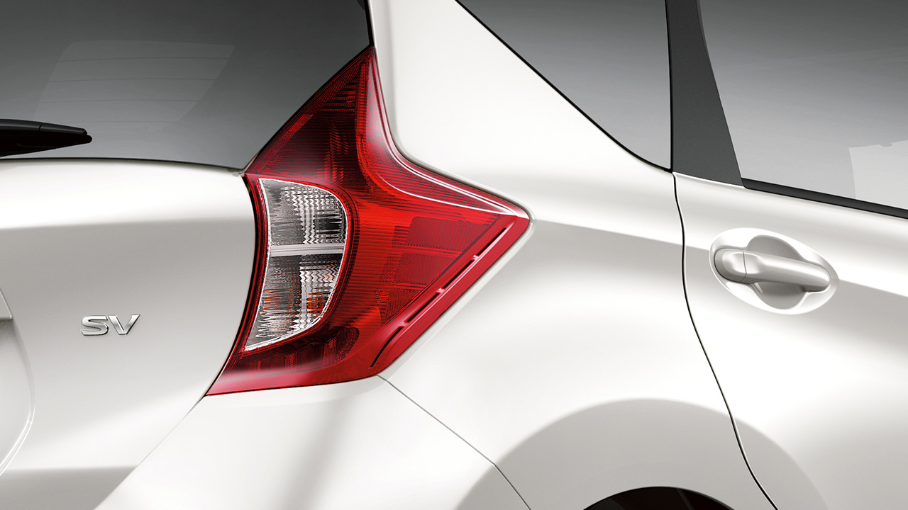 nissan-versa-note-tail-lamps-1