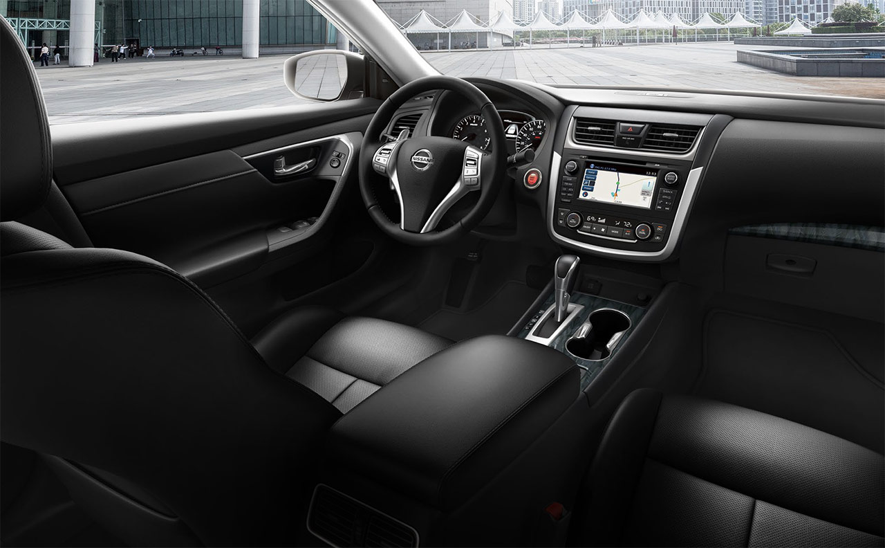 altima-more-interior