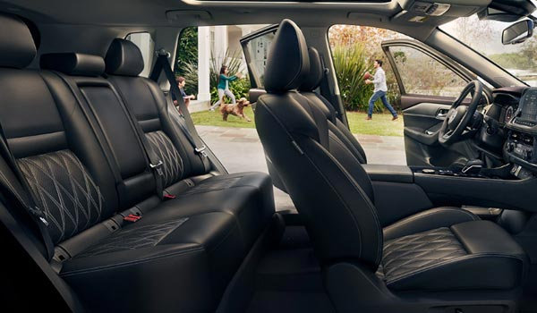 nissan-new-rogue-features-interior