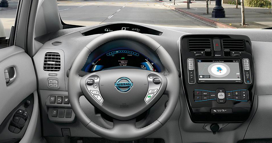 2017-nissan-leaf-dashboard-1